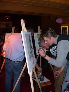 schilderworkshop mega paint als afscheid, teambuilding, Energizer, vergaderbreak of vrijgezellenuitje
